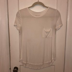 NWOT American Eagle Soft & Sexy Pocket Tee